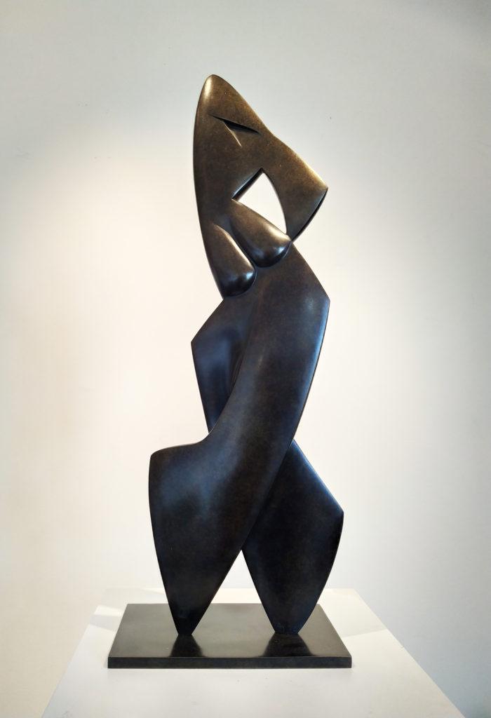 Antlia (N°1/8) / 2000 / Sculpture bronze mordoré / terrasse : 24,5 x 15 : H. 68 cm