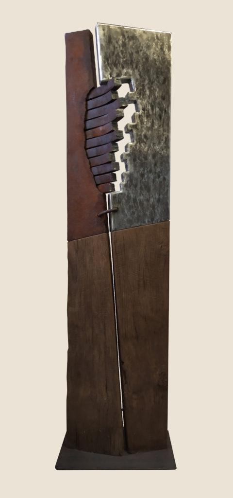 Stèle / 2004 / Sculpture bois, fer, inox / terrasse : 38 x 24 : H. 140 cm